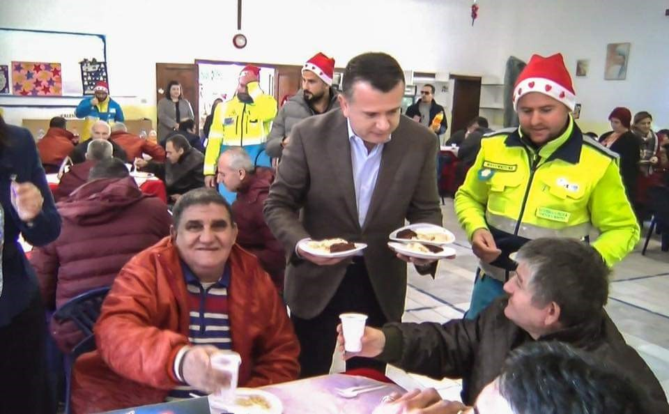 SP Balla, lunch with psychiatric hospital patients for Christmas