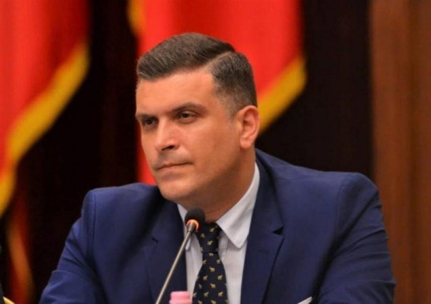 Pasaporta për afrikanin përplas Ramën me Metën, Presidenca: Ke urrejtje për Tironën