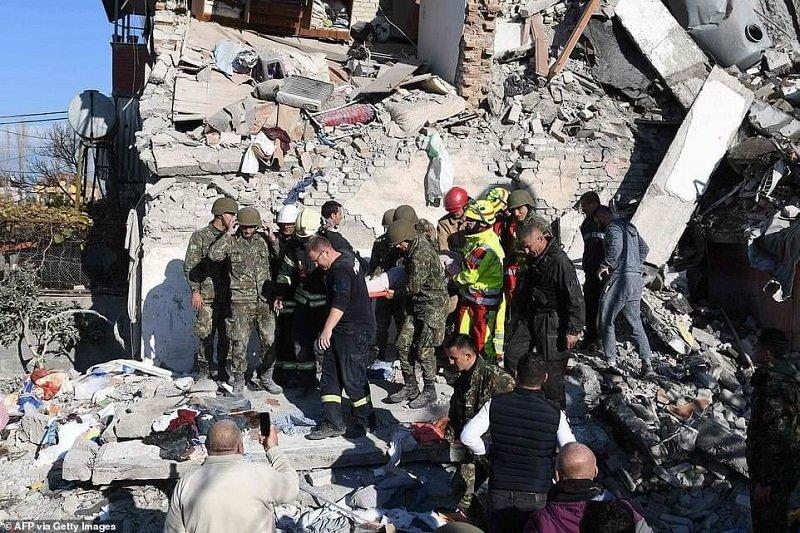 Kryebashkiaku i Vaut të Dejes: I thashë babait gjysmën e pensionit ta japë për të prekurit nga tërmeti