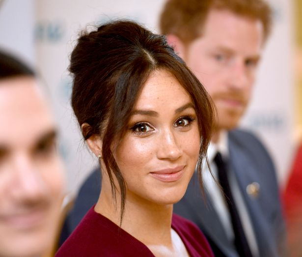 0_Harry-and-Meghan-at-Roundtable-with-the-Queens-Commonwealth-Trust-and-One-Young-World-1.jpg