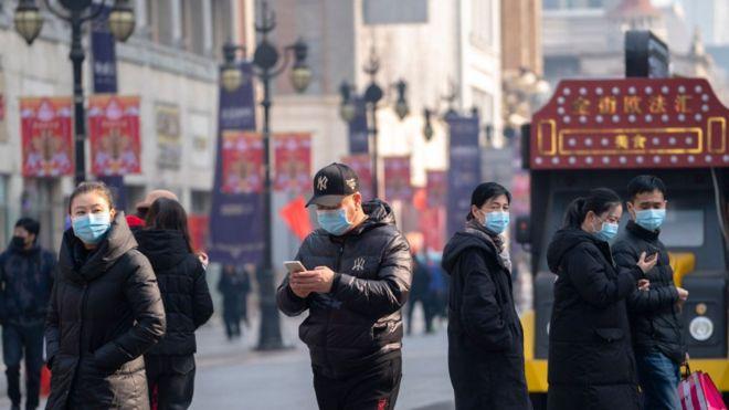 Frika nga virusi, kompanitë u bëjnë thirrje punëtorëve  të qëndrojnë në shtëpi