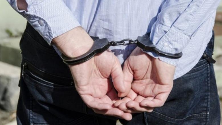 Kanos bashkëshorten me thikë, arrestohet 41 vjeçari në Shkodër