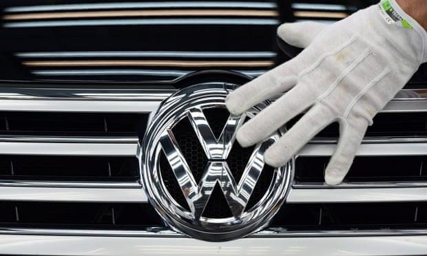 Gjashtë menaxherë Volkswagen akuzohen për mashtrim në lidhje me emetimet e gazrave
