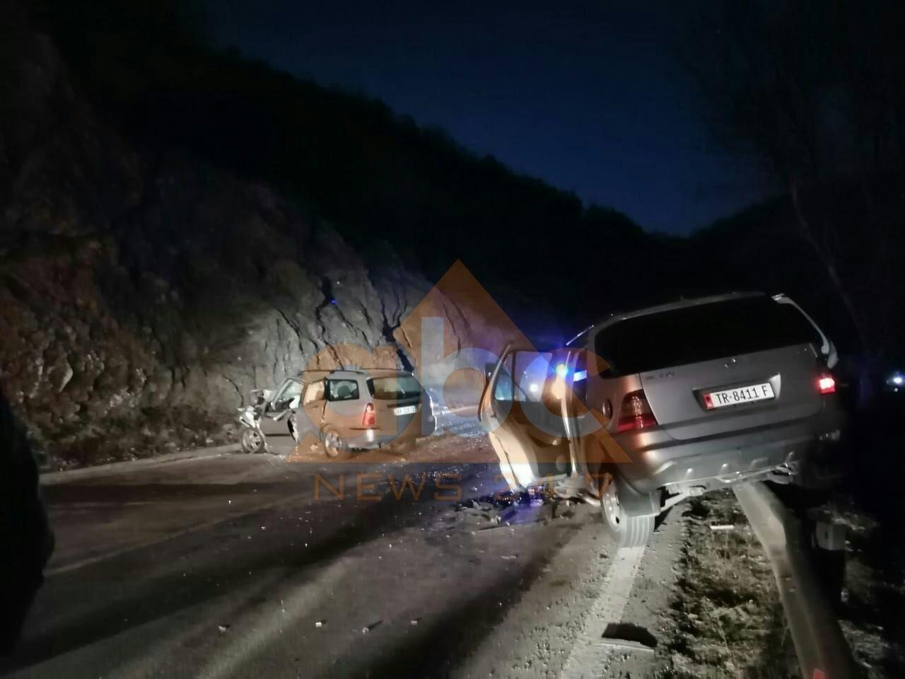 FOTO/ Makinat u bënë copë, pamje të frikshme nga aksidenti ku humbi jetën shefi i policisë bashkiake