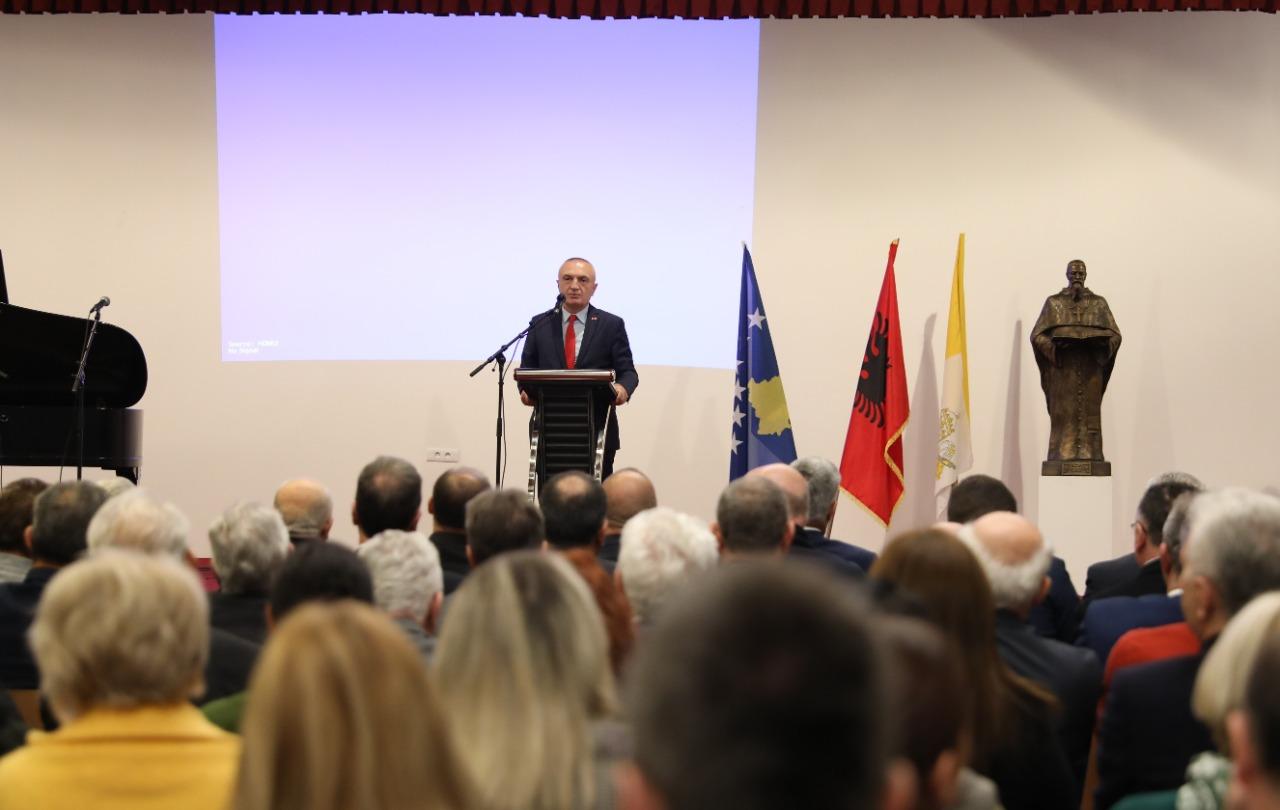 Meta: Të vazhdojmë të jemi pranë njëri-tjetrit, sfidë mbajtja e të rinjve në Shqipëri dhe Kosovë