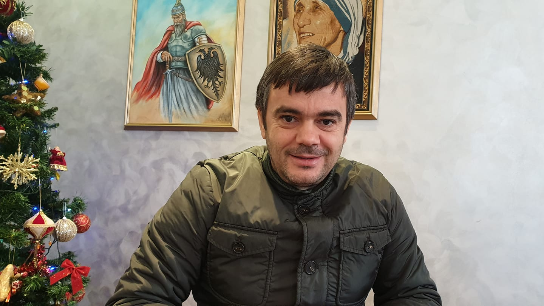Rrëshen, vritet në atentat para lokalit të tij, Kastriot Reçi