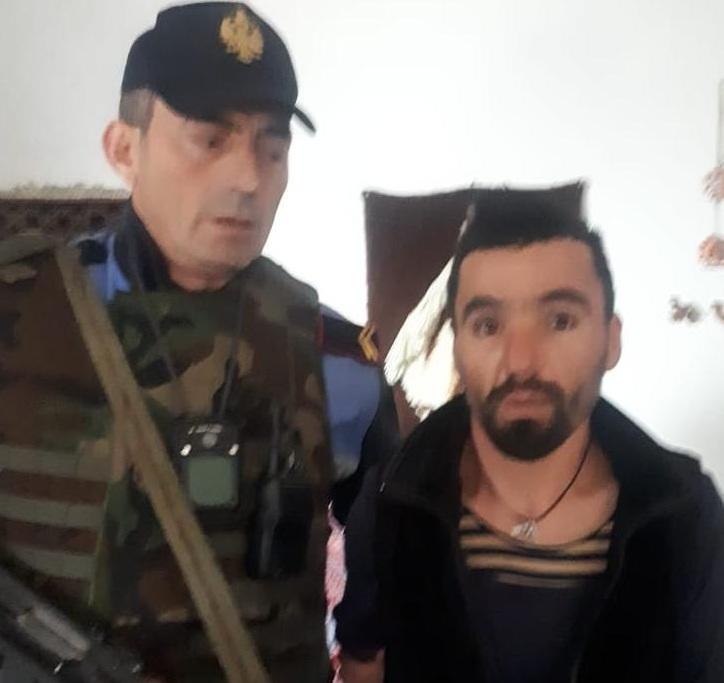 """""""Kunata ishte gjaknxehtë mi ktheu njerëzit kundër"""": Dëshmia e Erdet Çapokut pas krimit makabër në Paskuqan"""