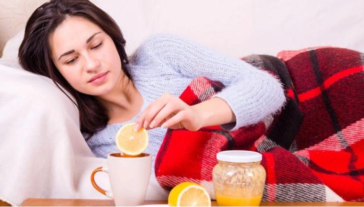 Ushqimet që duhet të shmangni gjatë gripit