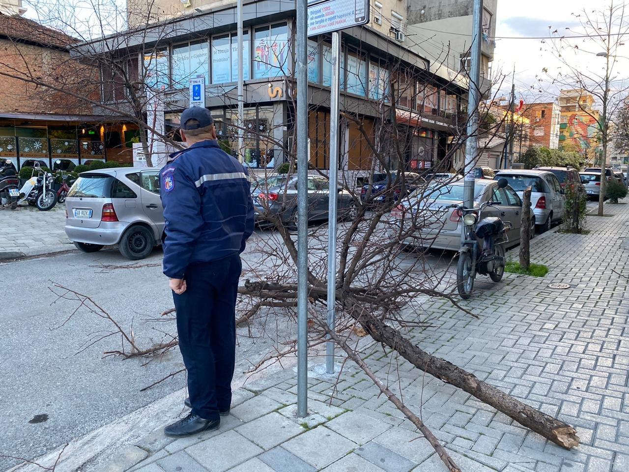 Moti i keq/ Veliaj bën bilancin: 100 incidente në Tiranë, 3 të plagosur në spital
