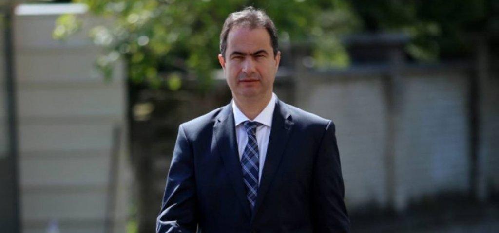 Luçiano Boçi: Ministria e Arsimit mashtron nxënësit ekselentë, ata paguajnë për emrin te libri i ekselencës