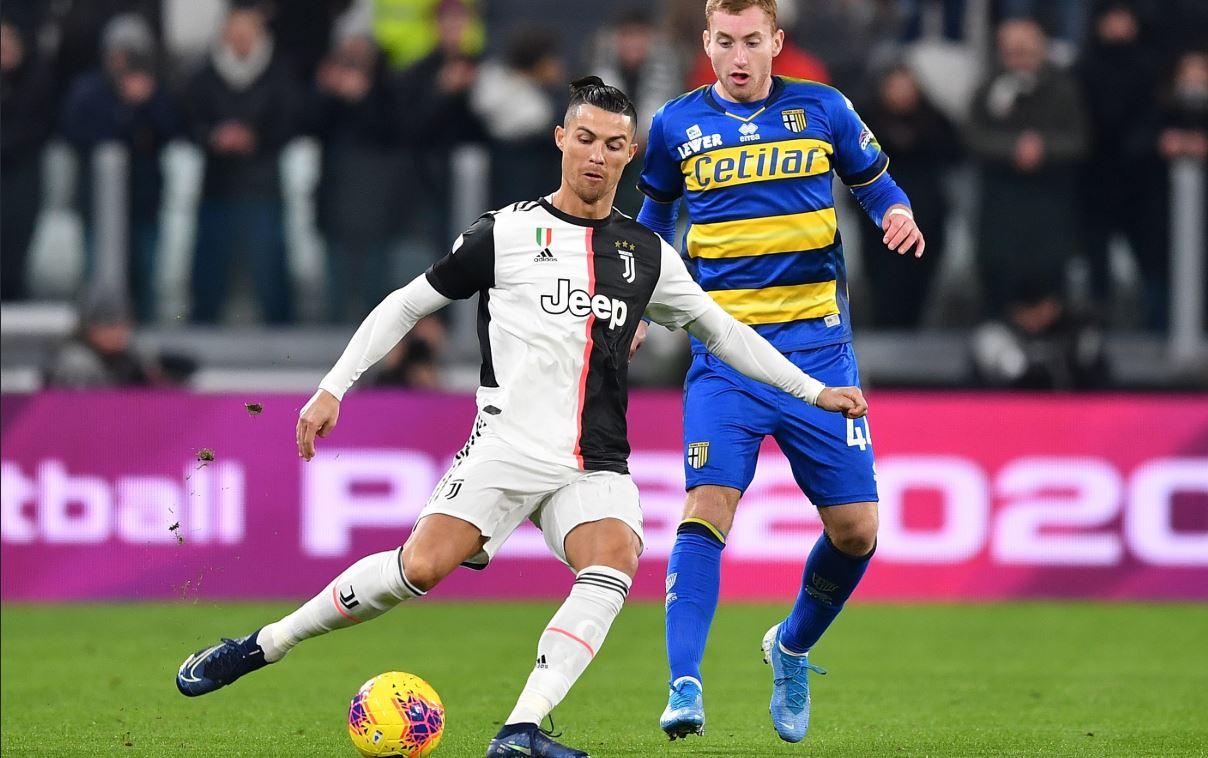 Ronaldo-v-Parma.jpg