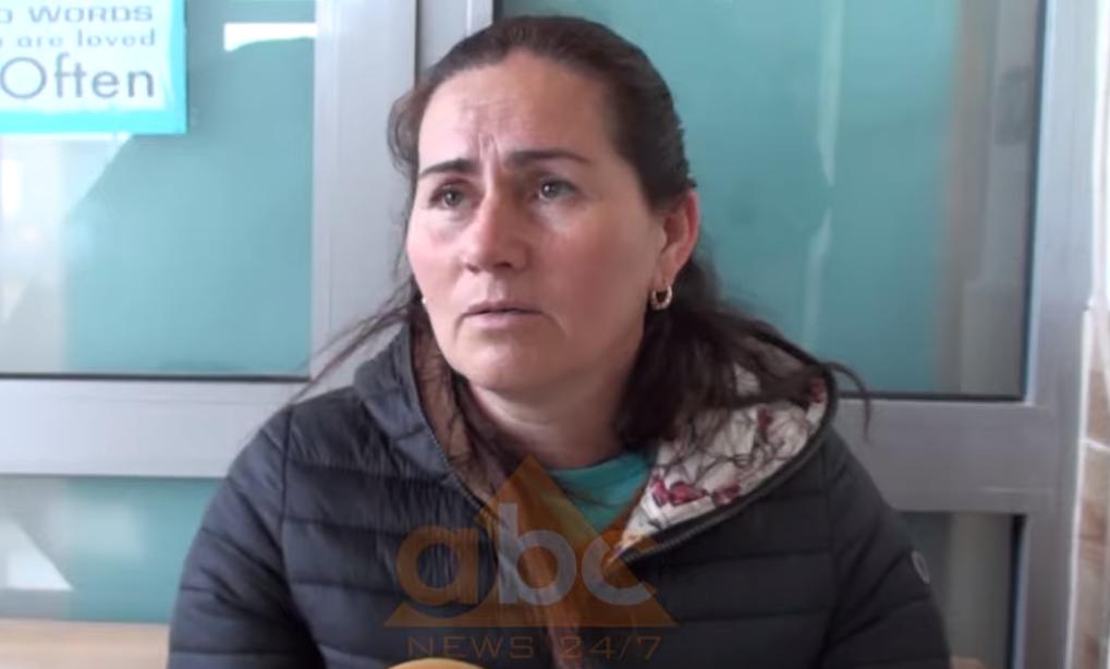 """VIDEO/""""Vajza tre ditë me temperaturë s'dija ku ta çoja"""", Laçi mbetet pa shërbim mjekësor"""