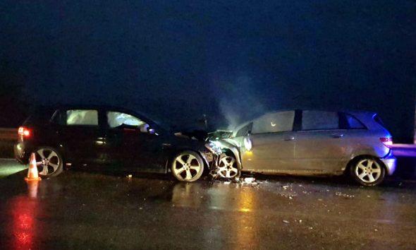 Përplasen makinat në Pogradec, plagosen tre persona