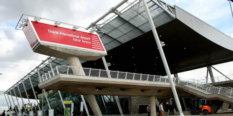 Ç'do të ndodhë me mijëra pasagjerë që u bllokuan në aeroporte nga mjegulla