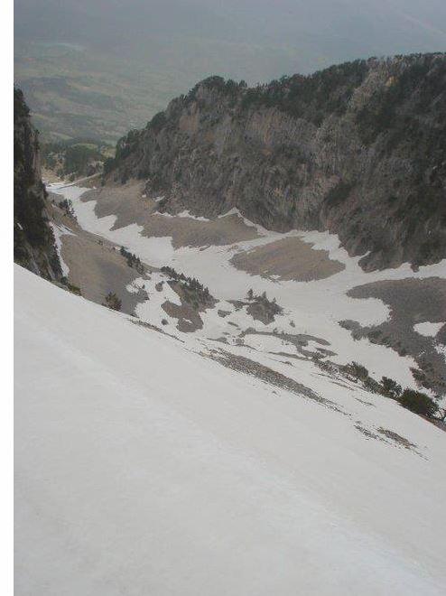 Aventura në Malin e Tomorrit, alpinisti rrëshqet dhe thyen këmbën