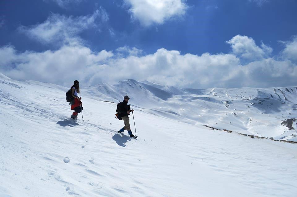 Banorët dhe policia e zonës në alarm, shpëtohen 4 alpinistë të bllokuar në malin e Gramozit
