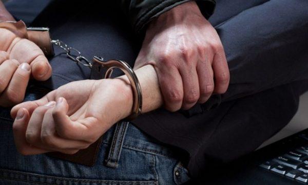 Dhunë fizike ndaj  ish-bashkëshortes, pranga 27 vjeçarit në Shkodër