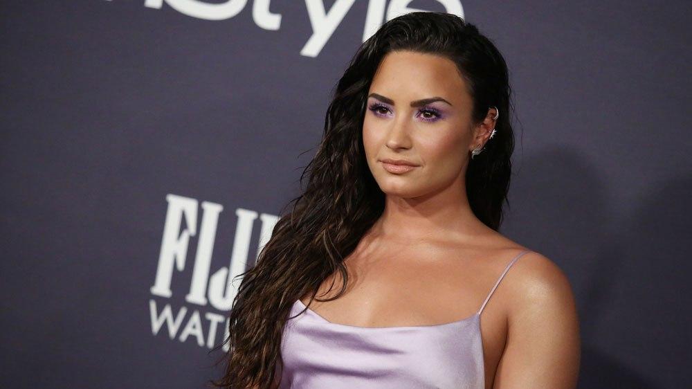 Demi Lovato flet për momentin kur u tha prindërve se mund të martohet me një grua