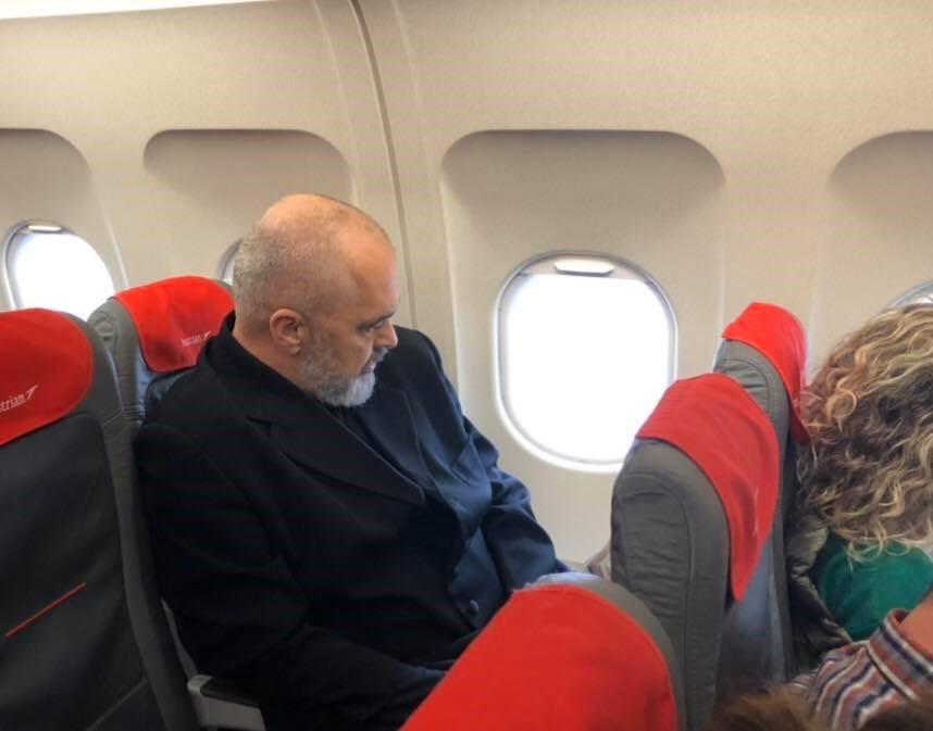 PD: Edi Rama në grahmat e fundit të pushtetit pajiset me avion privat