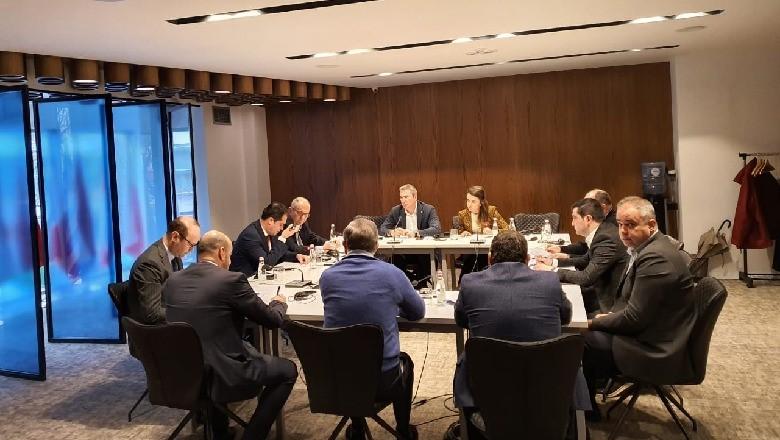 """""""Zgjedhorja"""", përfundon takimi i ambasadores amerikane me anëtarët e Këshillit Politik"""