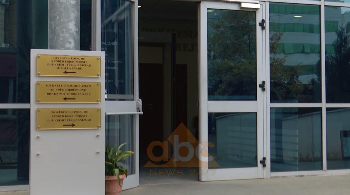 Gjykata e posaçme rrëzon SPAK, kthen dosjen e 3 gjyqtarëve të Dritan Dajtit për hetime të metejshme