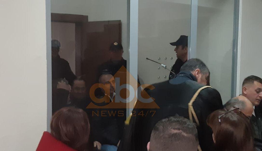 """""""Termeti"""", shtyhet seanca maratonë për 31 të arrestuarit: Vendimi të shtunën"""