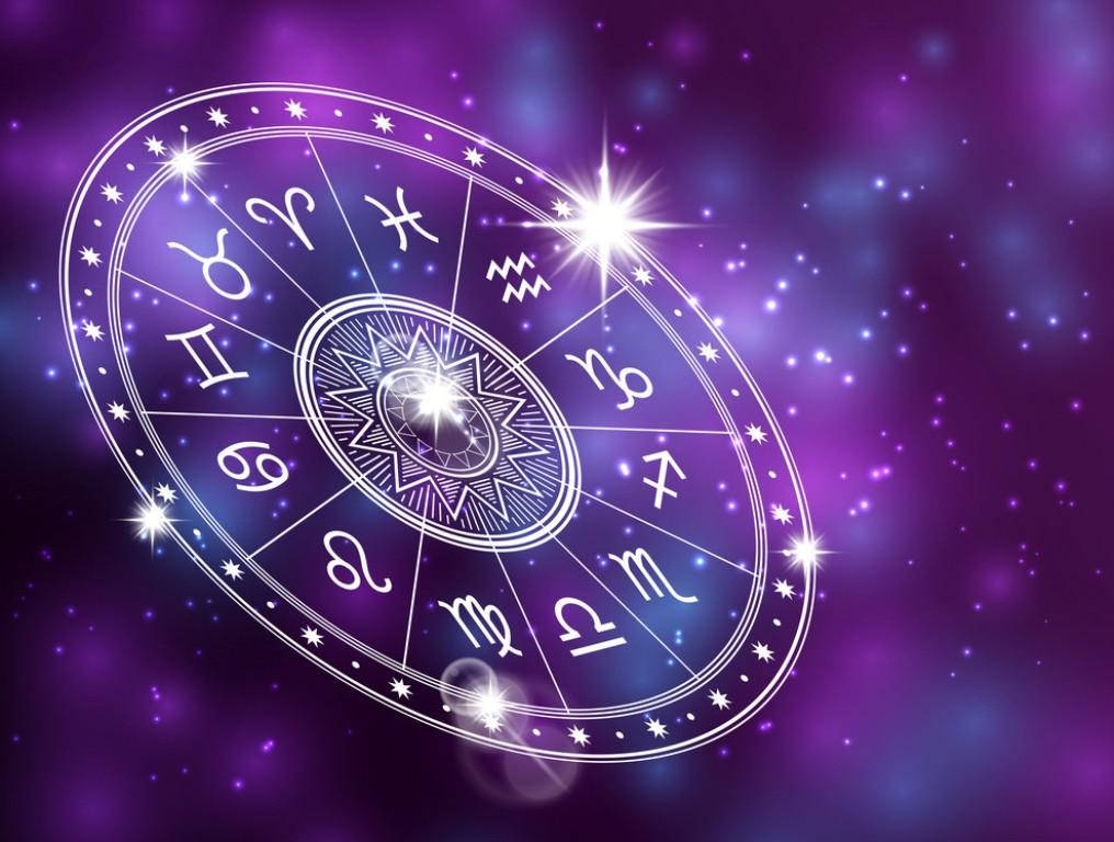 HOROSKOPI/ Kjo ditë do të jetë e qetë për këtë shenjë, çfarë thonë yjet sot