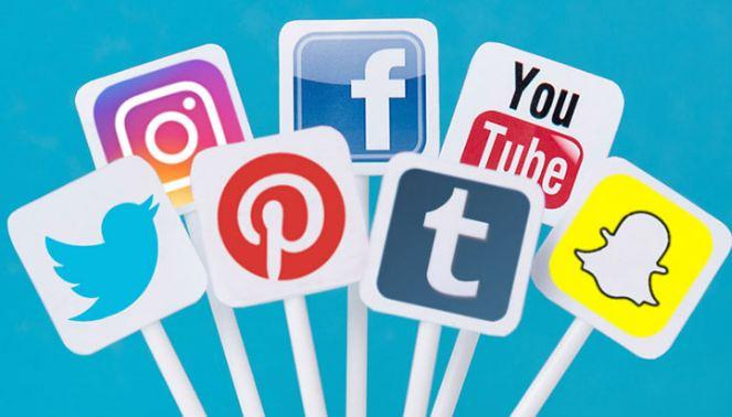 Studimi: Adoleshentët që kalojnë më shumë se 9 orë në rrjetet sociale rrezikohen nga depresioni
