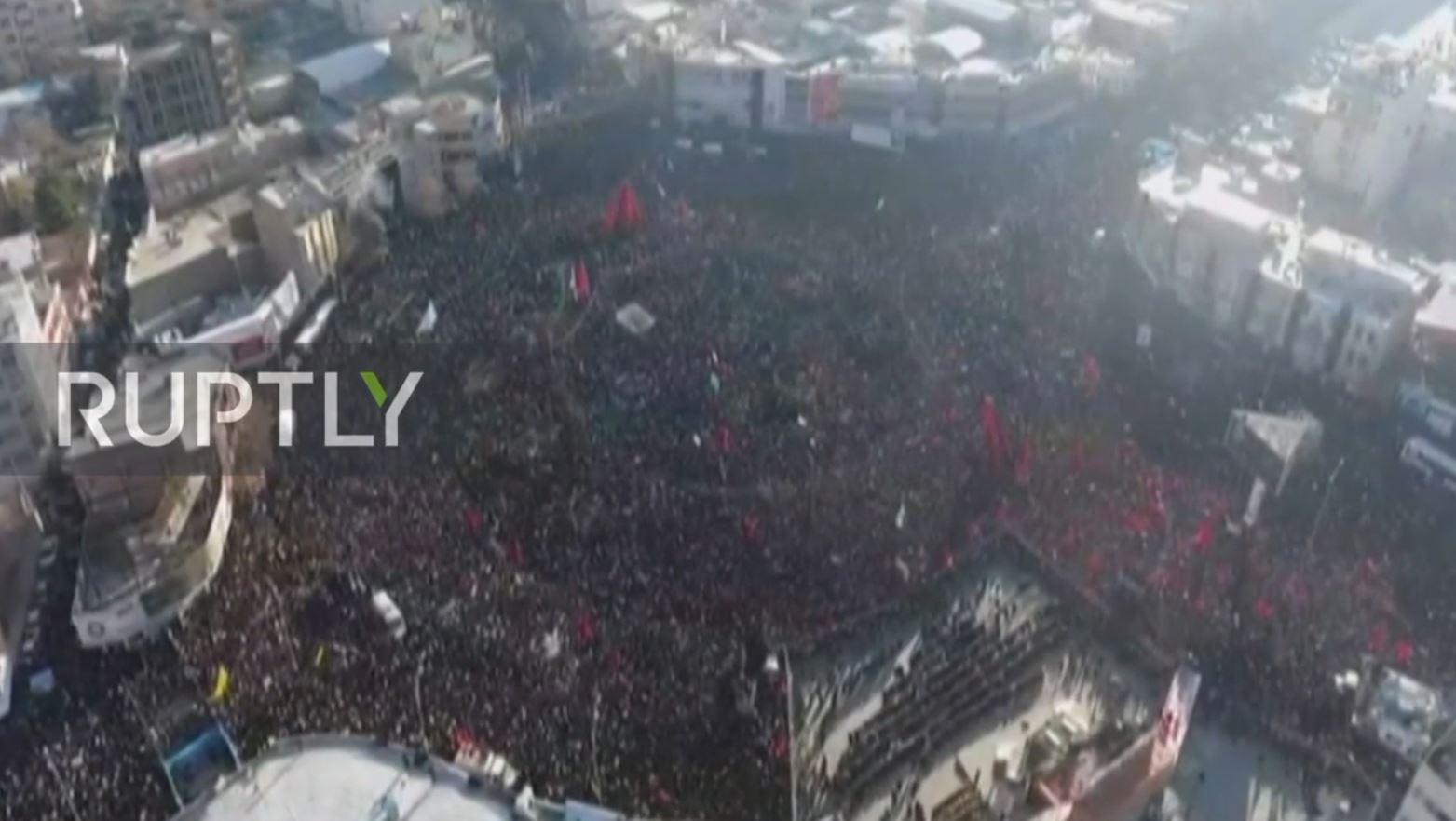 Viktima dhe të plagosur gjatë varrimit të gjeneralit Soleiman në Iran