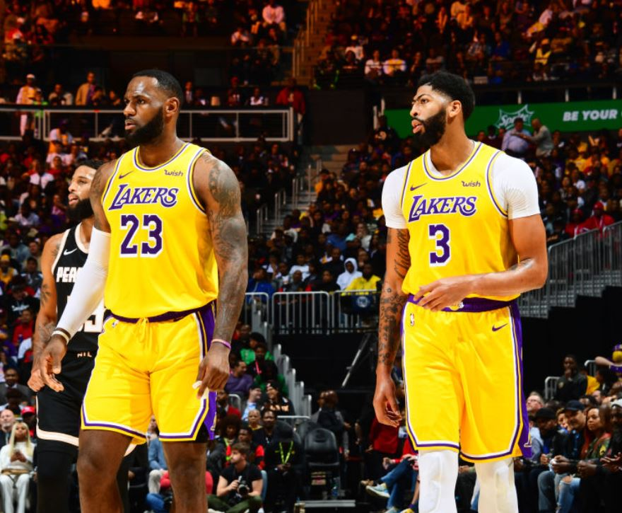 "VIDEO/ Lakers në ""play off"", Antetokounmpo s'i bën dot ballë James-Davis"