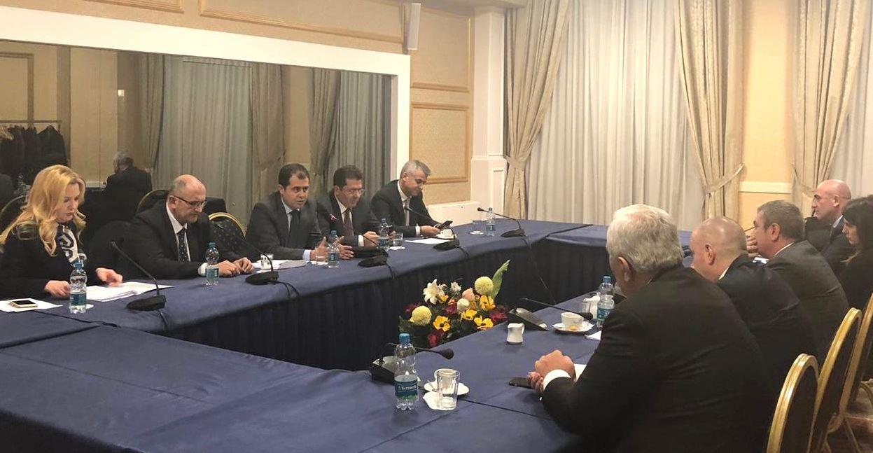 Zbardhet debati në mbledhje: Mediu i pakënaqur nga roli i Këshillit