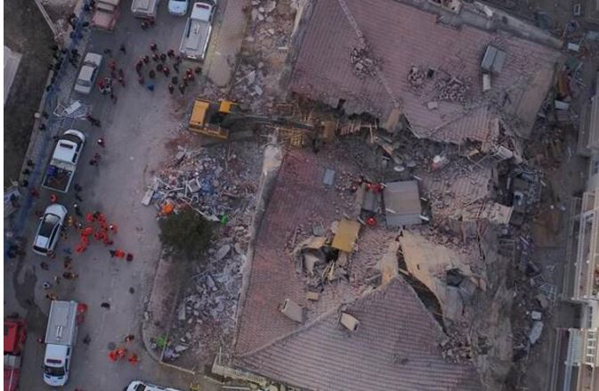 """""""Po vdesin si në Shqipëri"""": Sizmiologu grek parashikoi me saktësi tërmetin shkatërrues në Turqi"""