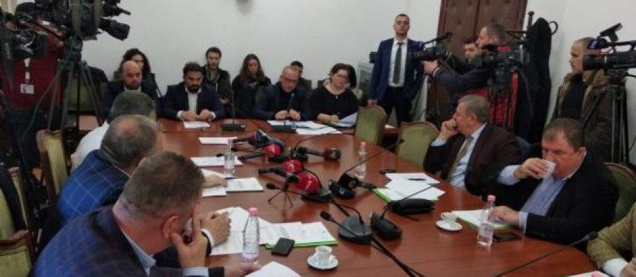 Kuvendi diskuton për paketën antishpifje, Pëllumbi : Dekreti i Metës duhet rrëzuar