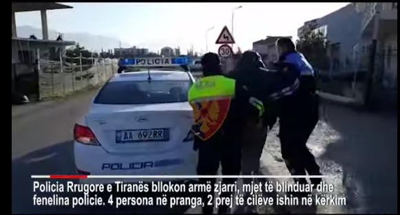 """EMRI/ Rrahu avokatin, kapet me armë dhe makinë të blinduar i """"forti"""" nga Fushë-Kruja"""