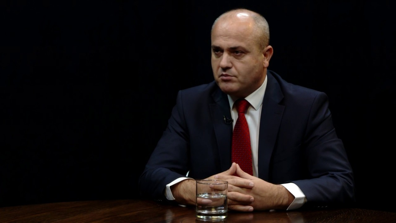 Deputeti i LDK: Besojmë se koalicioni me VV do të arrihet