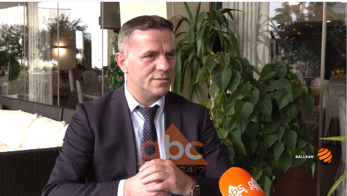 INTERVISTA/ Zaev do të përdorë një parti shqiptare për të ruajtur postin e kryeministrit