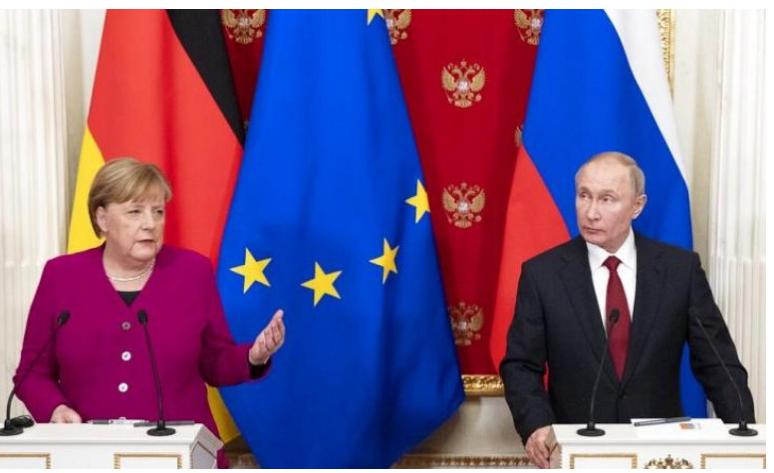 176 të vdekur, takimi Merkel-Putin në Moskë, kancelarja: Rrëzimi i avionit duhet zbardhur deri në fund