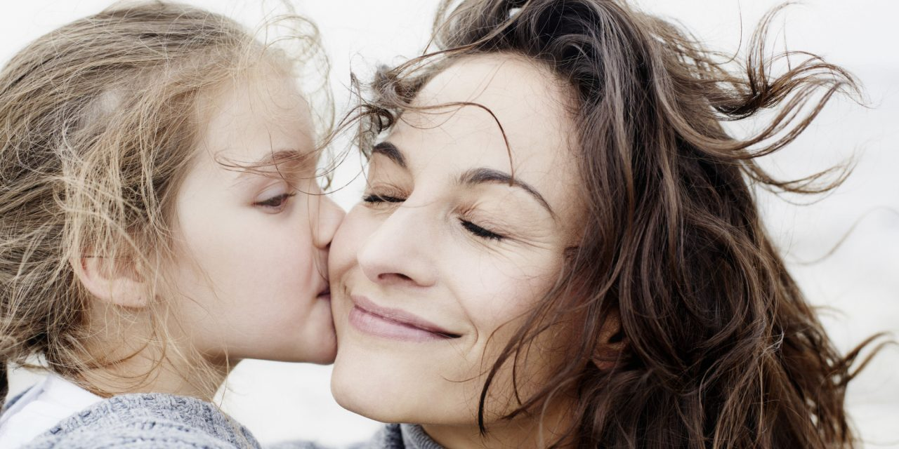 mother-and-daughter-1280x640.jpg