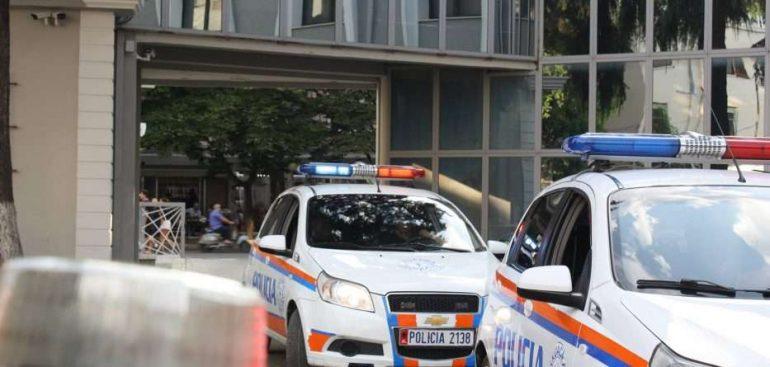 Bënte namin me vjedhjet, policia arreston vlonjatin