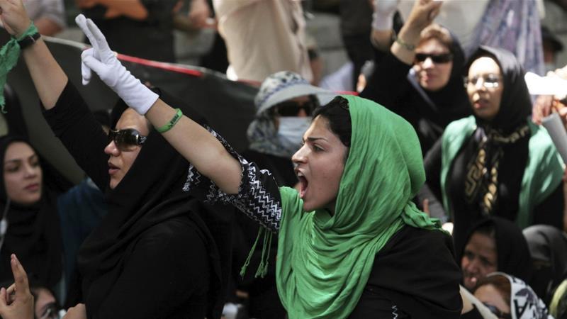 Regjimi nën presion: Çfarë duhet të dimë për protestat në Iran