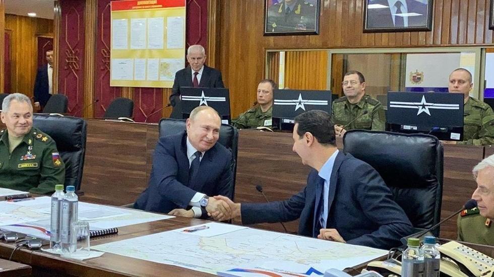 Vladimir Putin vizitë surprizë në Siri, diskuton situatën e sigurisë me Bashar al-Assad