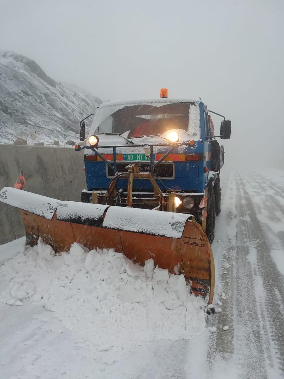 Vendi përfshihet nga reshje bore, ARRSH jep informacion mbi gjendjen e rrugëve