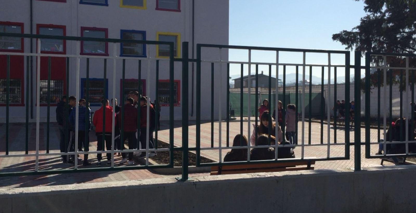 Shkollat e Rroskovecit pa ngrohje, nxënësit: Kaldajat nuk ndizen