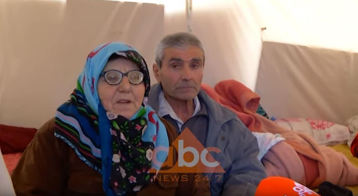 """""""Jetojnë me pensionin e kooperativës"""", me lot në sy të moshuarit i bëjnë thirrje shtetit: Duam një strehë"""