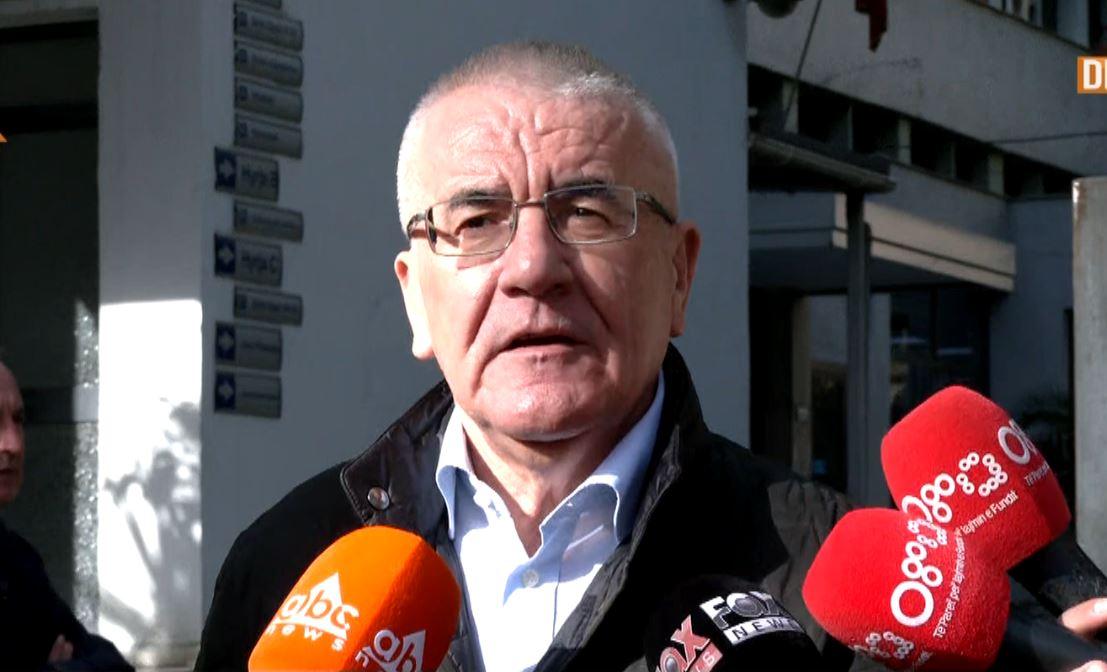 Ylli Rakipi në gjyq me Edi Ramën, gazetari: Kryeministri të vijë të përballet, ka intimiduar gjyqtarët