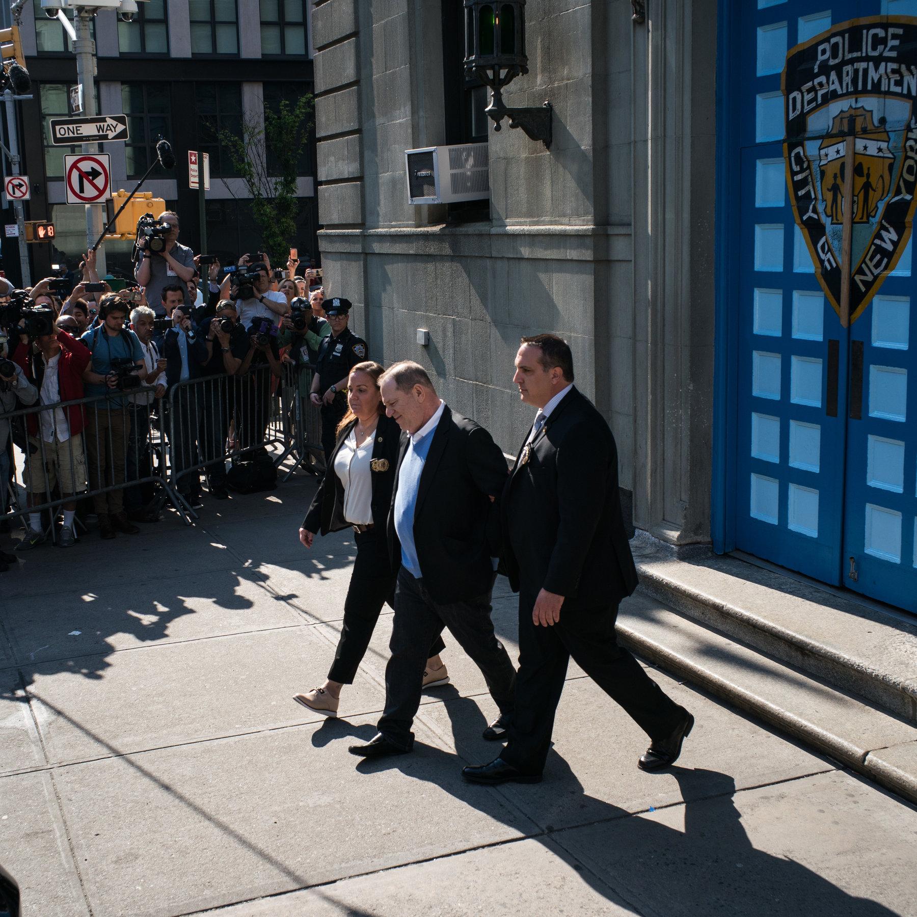 Producenti Harvey Weinstein shpallet fajtor për agresion seksual dhe përdhunim