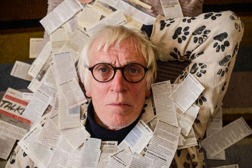 """""""Shfryn inatin"""" kundër qeverisë, prej 42 vitesh i shkruan çdo ditë letra gazetës lokale"""