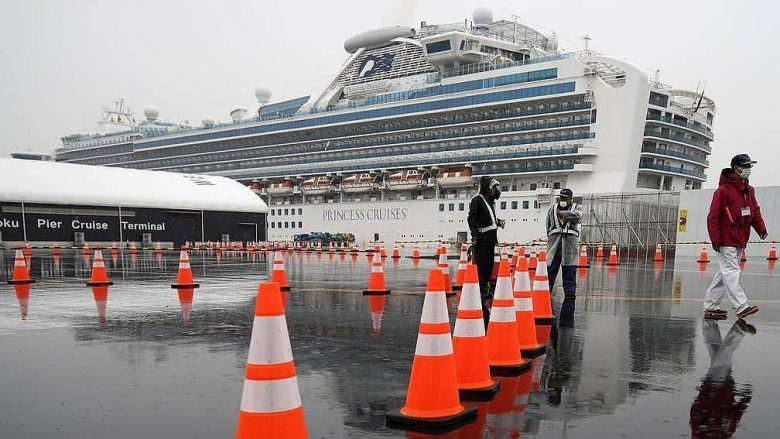"""Dy serbë me koronavirus në anijen """"Diamond Princess"""" në Japoni"""