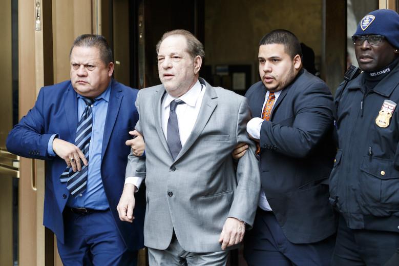 Akuzohej për përdhunim dhe abuzim seksual, ish-producenti dënohet me burg