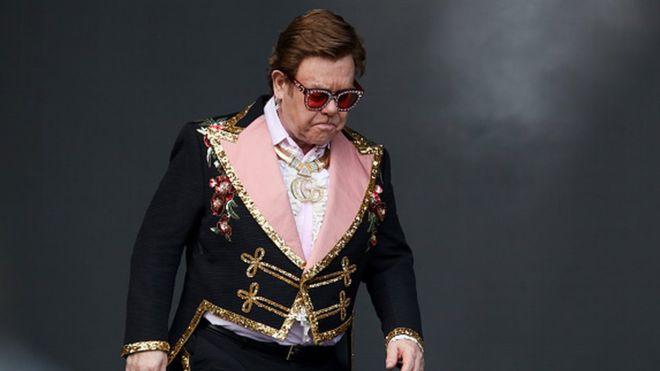 Elton John ndërpret koncertin në Zelandën e Re, zbuloni arsyen
